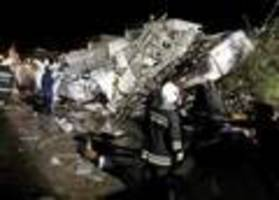 Plane crashes in Taiwan, killing 47
